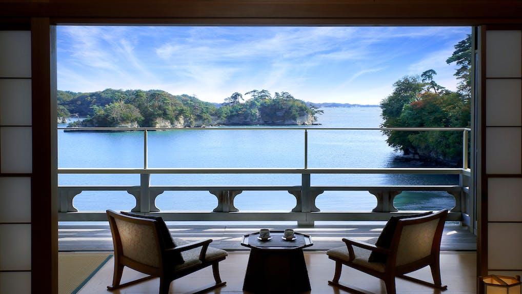 松島の海とともにある岬の一軒宿
