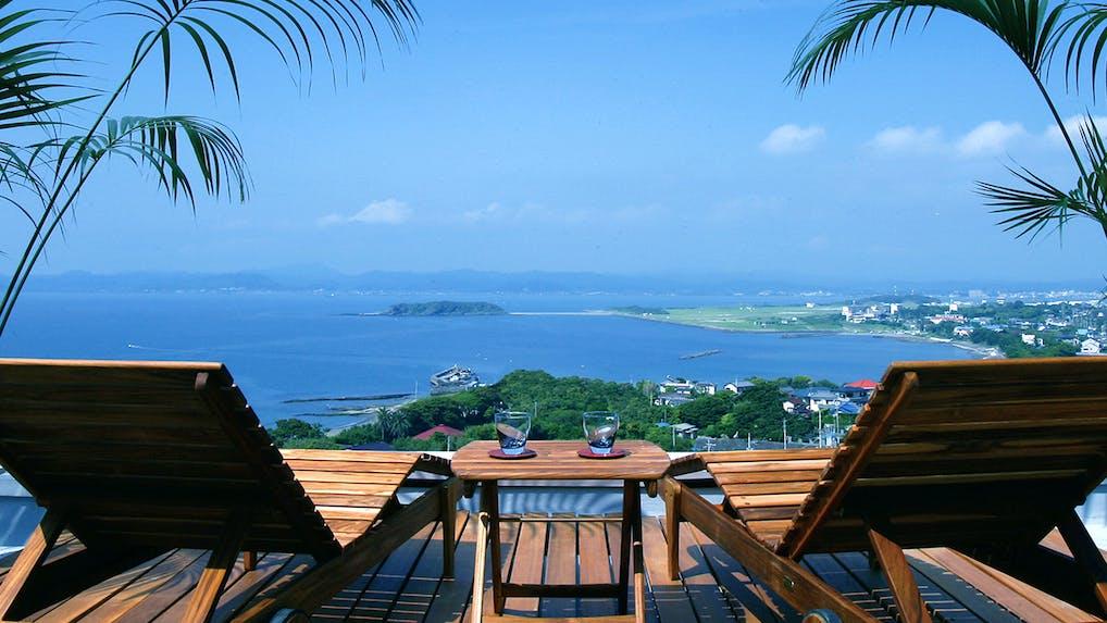 東京から車で2時間の海を望む宿