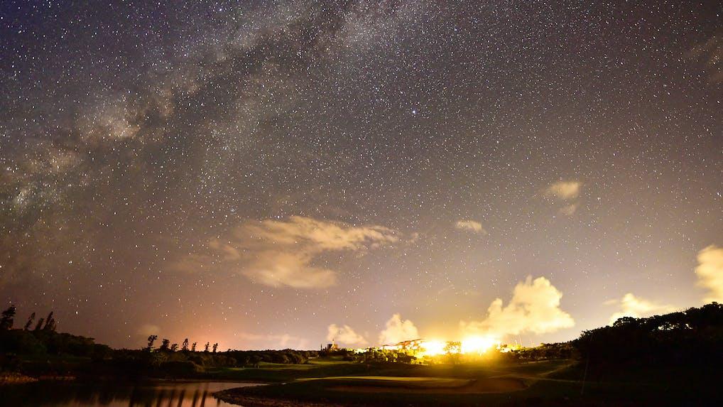 星空浴を愉しむ沖縄・離島の宿5選