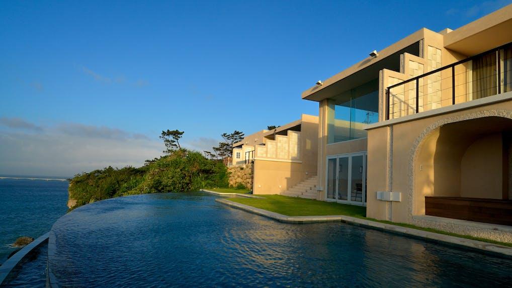 秋の沖縄を楽しむプライベートヴィラ 4選