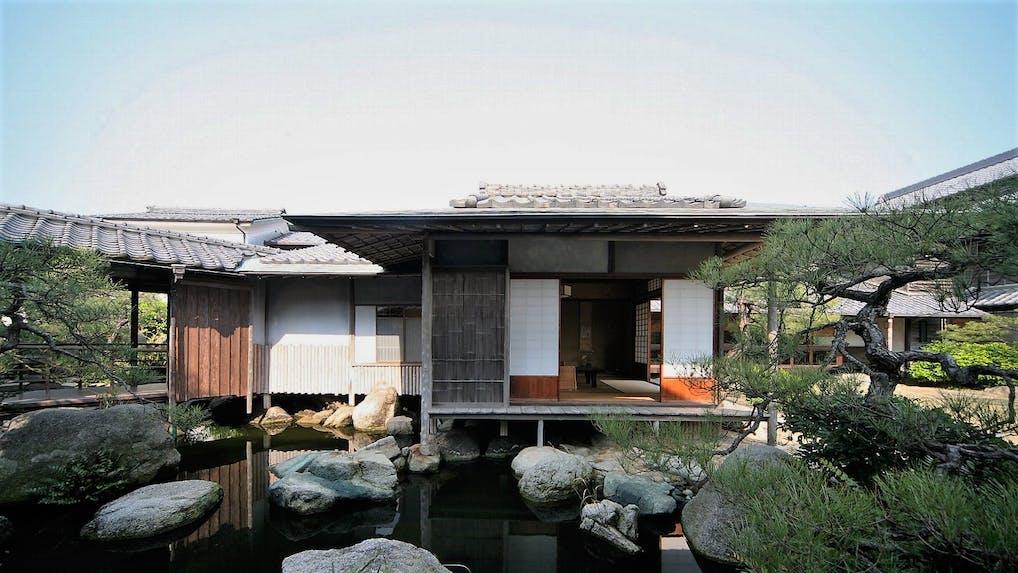 懐かしさ漂う老舗で日本美と真心に癒される