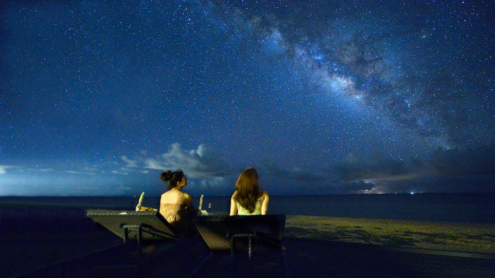 大自然の中で、きらめく星空に出会える宿 5選