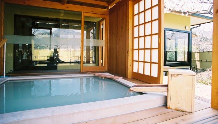 付き 露天 箱根 旅館 風呂