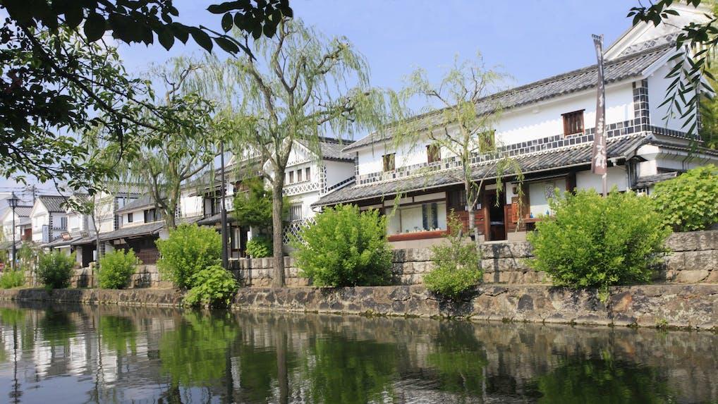 岡山の倉敷美観地区に佇む、全8室の老舗旅館