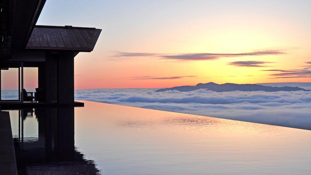 妙高高原の老舗リゾートで絶景と温泉三昧