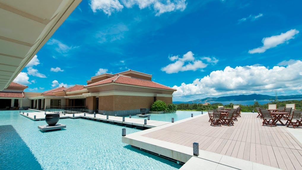 沖縄のエレガンスなラグジュアリーに浸る上質リゾート