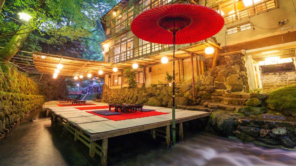 京都で夏の風物詩「川床」を楽しめる宿 5選