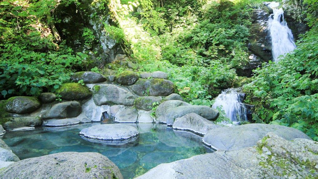 絶景や泉質が魅力、夏に行きたい秘湯の宿
