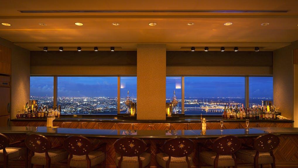 素敵なバーで特別な一杯を嗜める高級ホテル3選