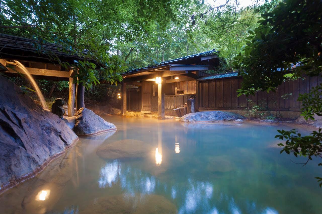 黒川温泉の豊かな自然と真心が染みる秘湯宿