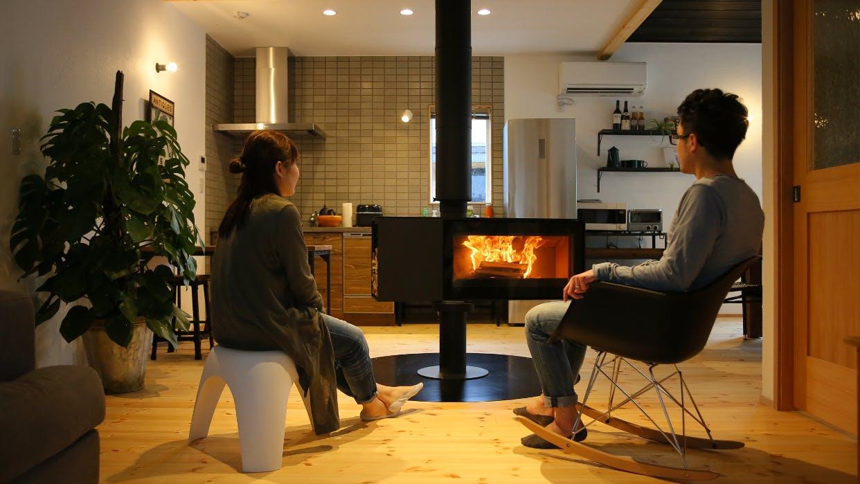話題の「ヒュッゲ」を満喫する暖炉のある宿