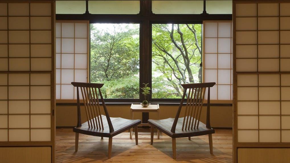 箱根の老舗宿で歴史ロマンと名湯に抱かれる