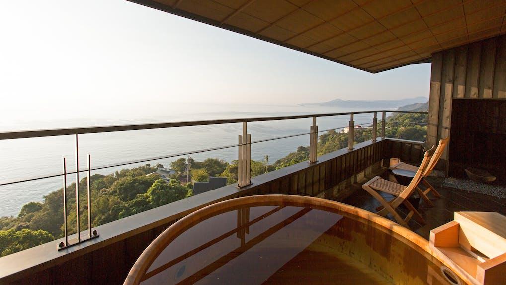 一度は泊まりたい、熱海の露天風呂付客室がある宿