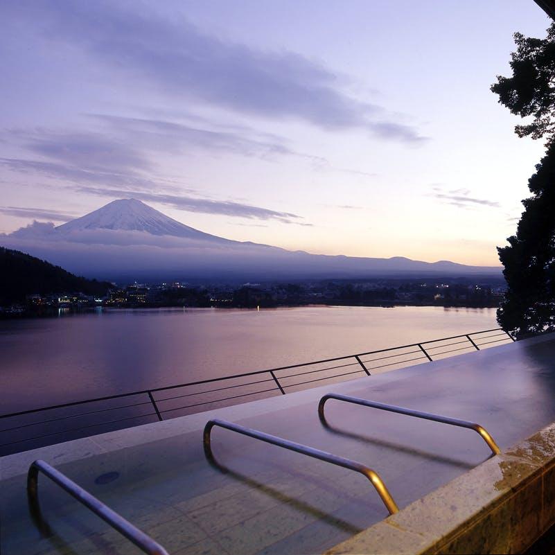 絶景露天風呂で富士山を独り占め