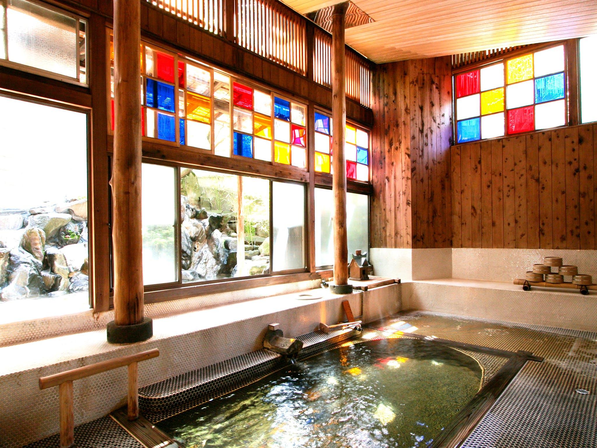 長野・野沢温泉の滋味深い食事と新鮮な温泉に和む