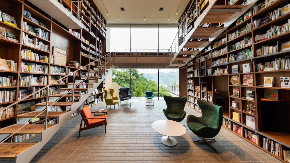 箱根で本に囲まれて過ごす、新コンセプトの温泉宿