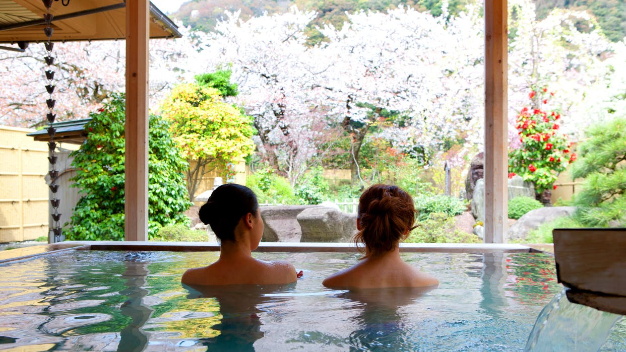 露天風呂から桜が見える宿5選