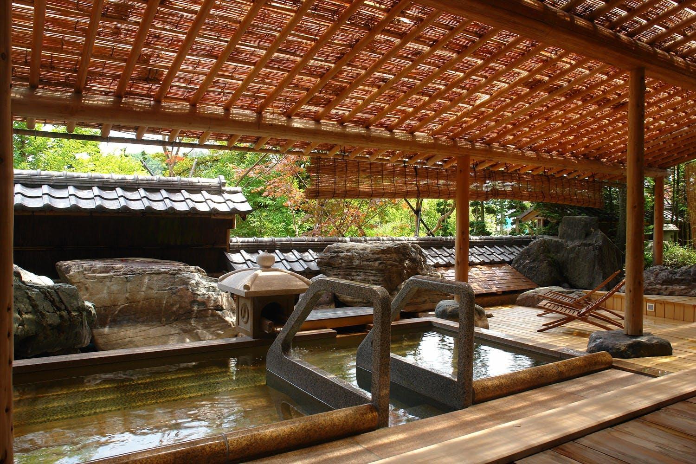 古都・飛騨で天然木と温かなおもてなしに触れる