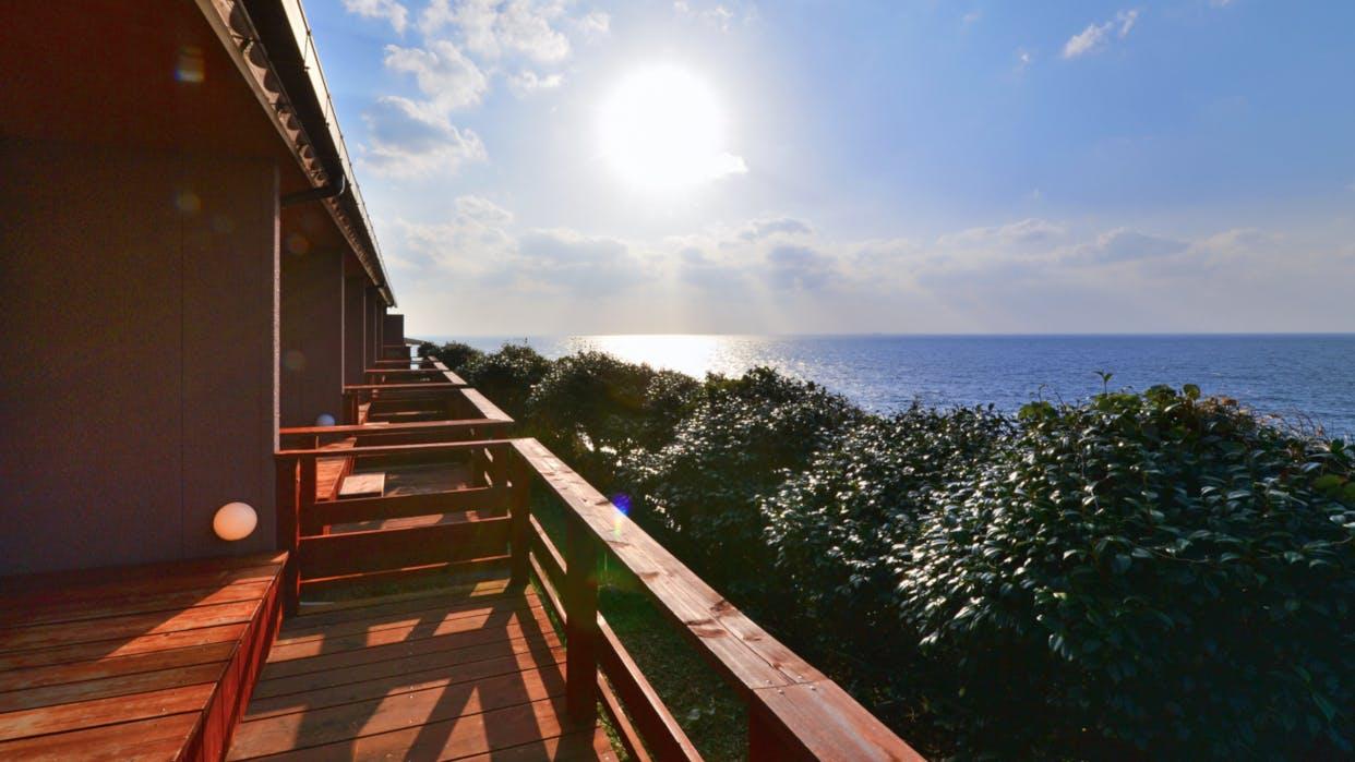 ただ海を眺めて過ごしたい、南紀白浜に佇むデザイナーズ旅館