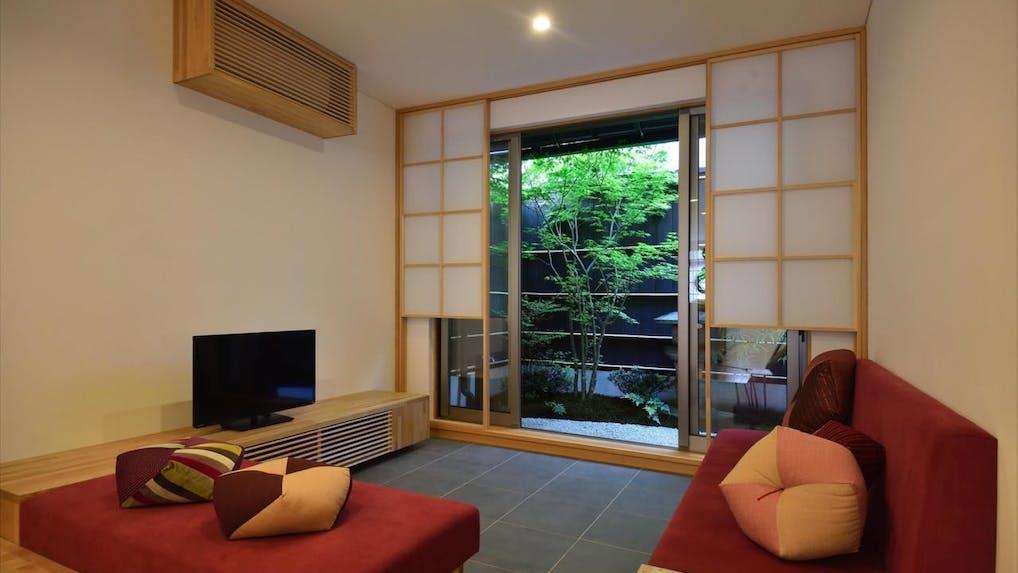 京都町家の一棟貸しでガイド本にない旅を