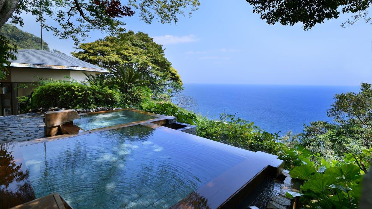 東伊豆の絶景露天風呂で、時を忘れ、海と一つに