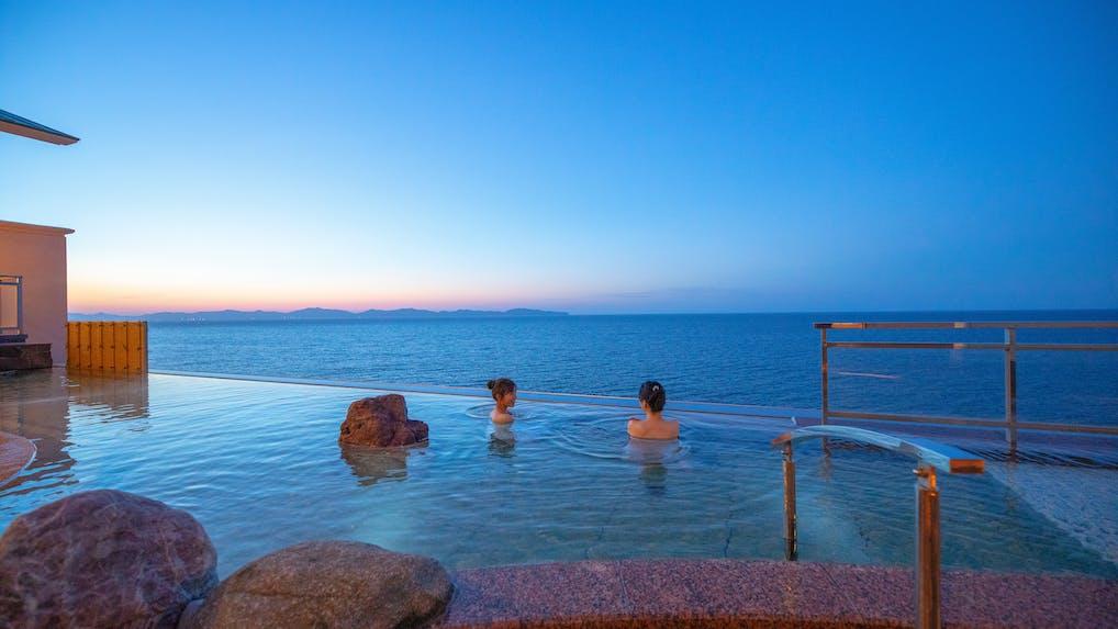 大浴場の露天風呂から星空が見える宿(西日本編)