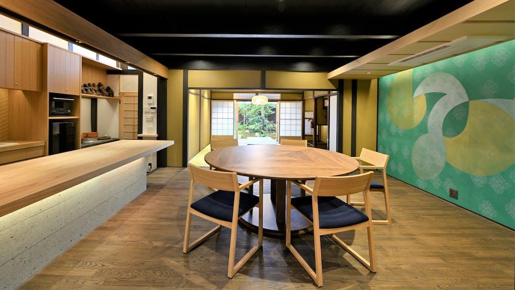 【取材】ゆとりある京町家で伝統文化とカリモク家具を囲む