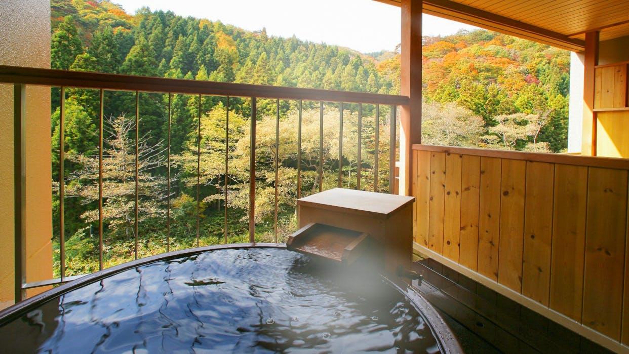 秋を先取り!一休社員に聞いた客室露天風呂から紅葉が見える宿