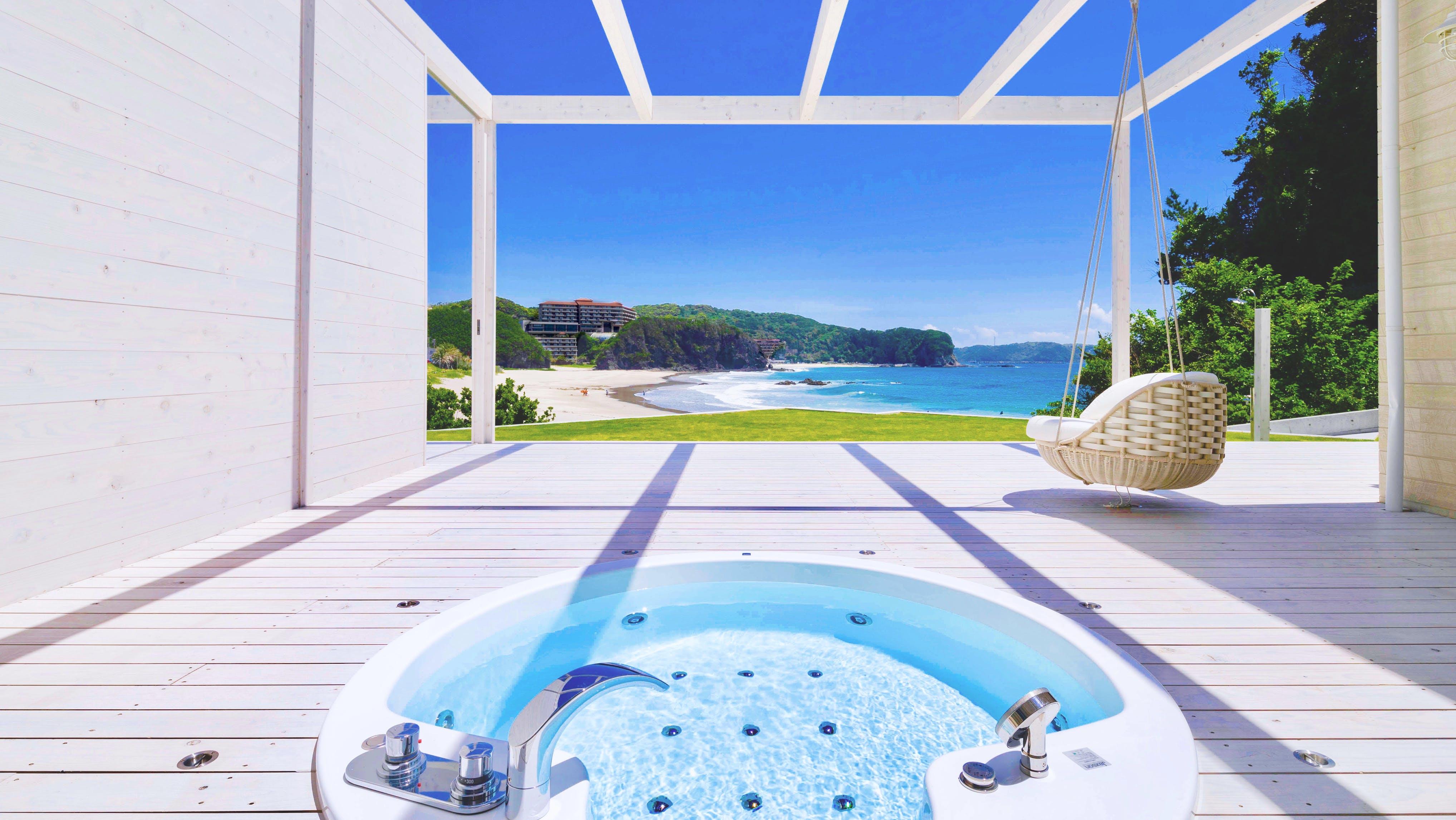 伊豆・入田浜で美しい白浜を独り占めする夢の滞在を