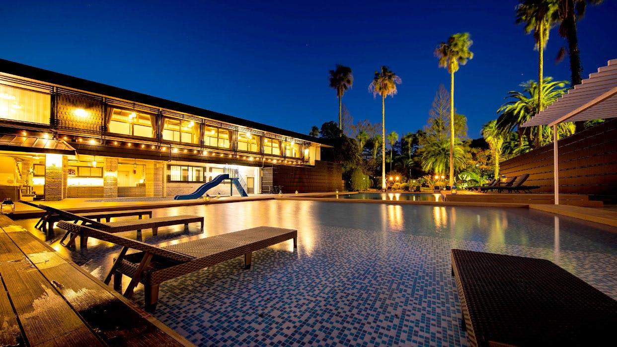 天然温泉のガーデンスパがある下田の老舗旅館でくつろぎの時間を