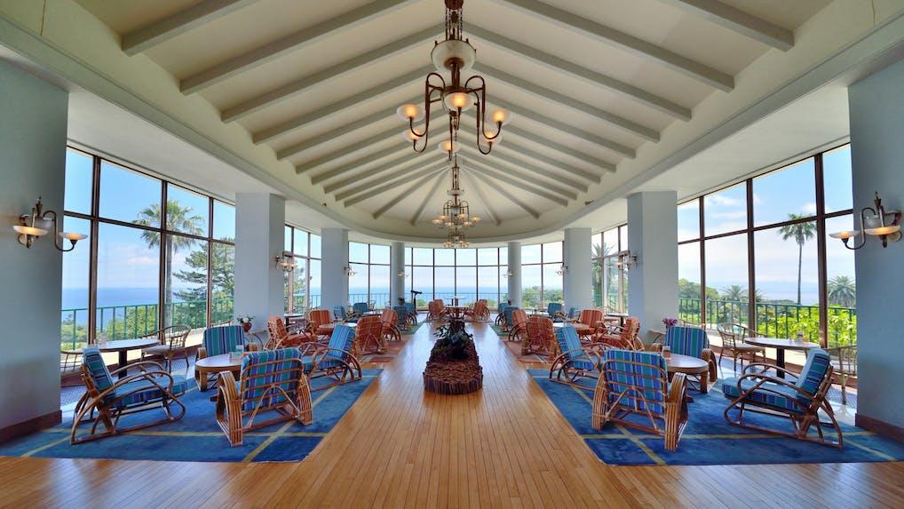 伊豆半島の絶景オーシャンビューと温泉を愉しむクラシックホテル