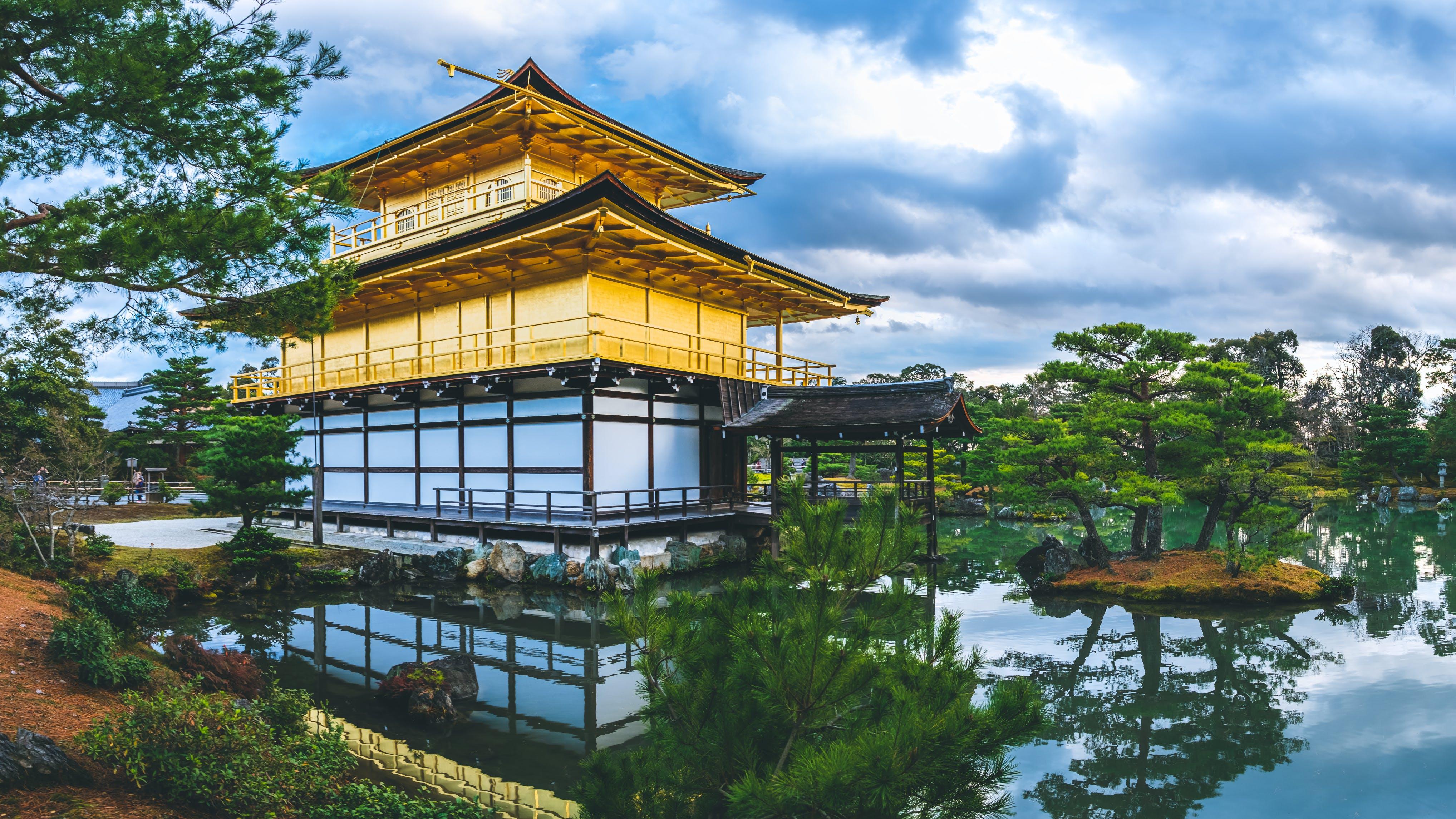 【京都観光】人気スポットを巡るモデルコース&おすすめホテル 11選