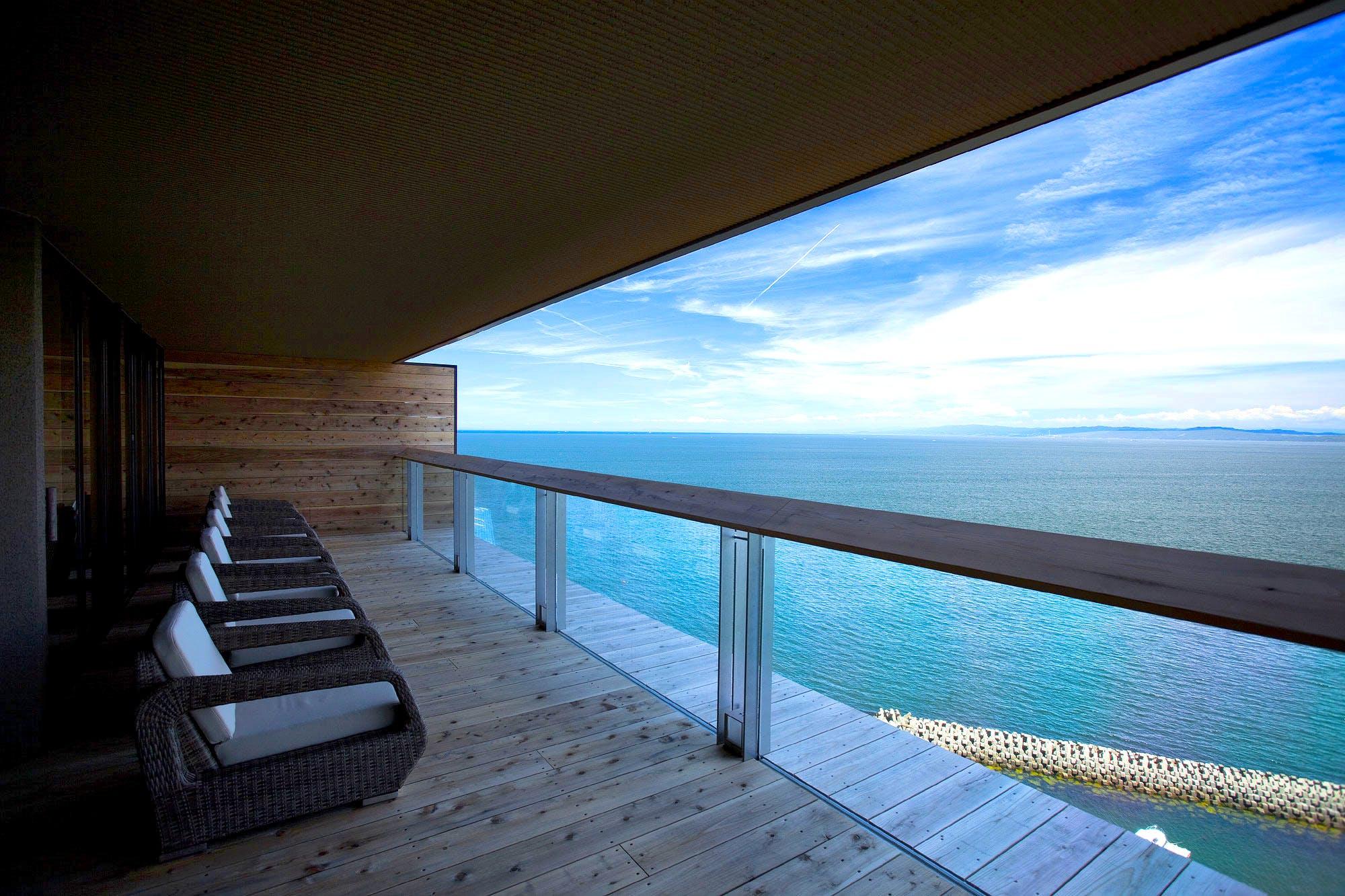 淡路島で美しい海を望む絶景露天風呂を備えたリゾートホテル
