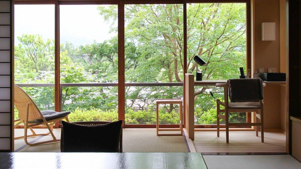 東京から約2時間、書斎付の客室がある温泉宿5選