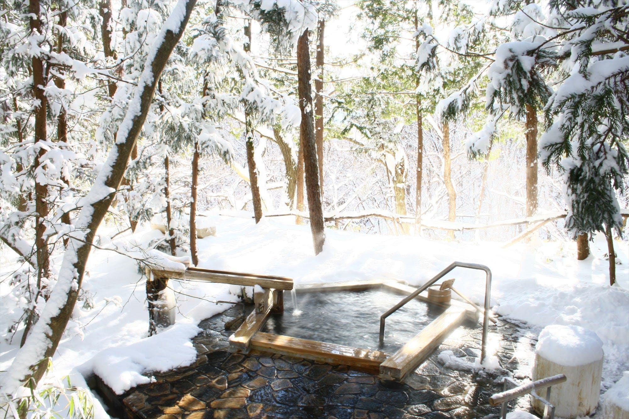 雪見露天風呂が愉しめる大人の温泉宿 東北編