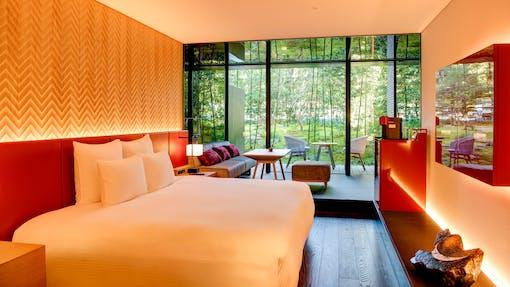 2020年11月開業。庭園を臨む京都・二条城前のエクスクルーシブ ラグジュアリーホテル