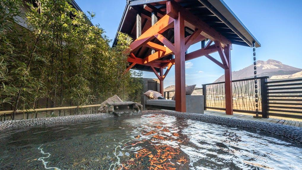 露天風呂付客室で山の絶景を独り占めできる温泉宿6選