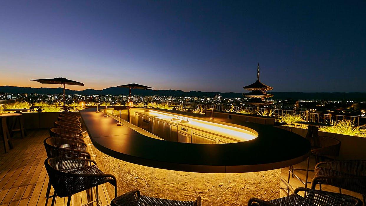 【大阪・京都・神戸】人気ホテルのバーを楽しむ男の三都一人旅