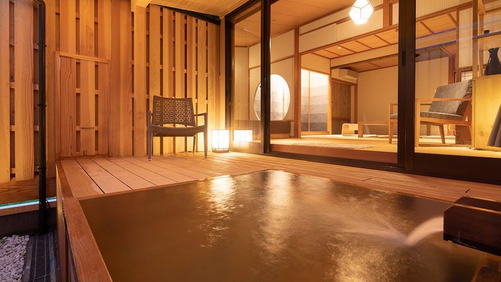 露天風呂付客室で部屋食を楽しめる温泉宿 北陸編